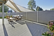 Dřevoplastová plotová stěna