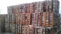 Palety skládaného dřeva