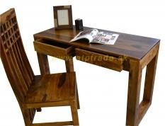 Nábytok z masívu - Toaletný alebo pracovný stolík