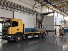 doprava a práce hydraulickým jeřábem , hydraulickou rukou