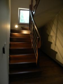 výroba drevených schodov,