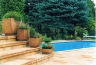Kamenina NK – prvky zahradní achitektury (květníky)