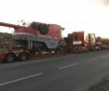 Expresní přeprava zemědělské techniky