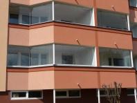 Zasklívání balkonů a lodžií