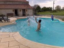 Dlažby k bazénům