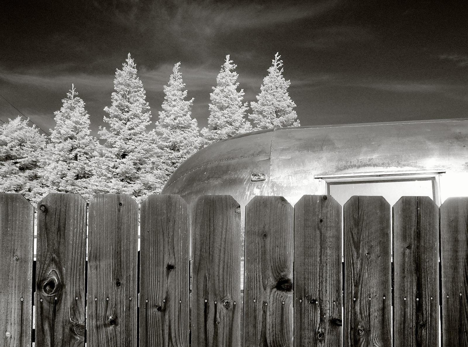 Zděné a hliníkové ploty