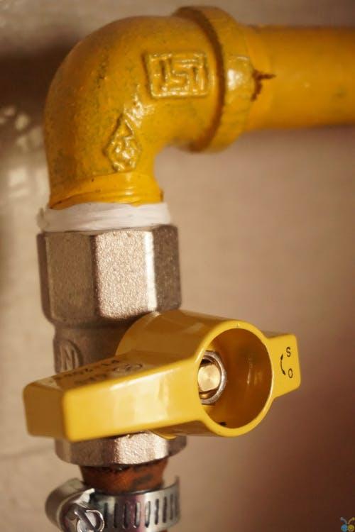 Dodávky vody, topení a plynu