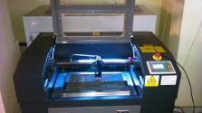 CO laser – řezání a gravírování nekovových materiálů