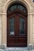 Dveře vstupní pro činžovní domy