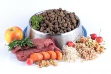 Superprémiové krmivo - HOVĚZÍ ROASTBEEF se SUMCEM