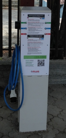Nabíjacia stanice 2x 22 kW, v prevedení plast