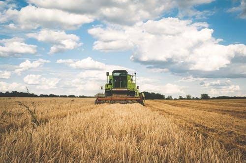 Predaj a servis traktorov - AGROMECHANIKA s.r.o.