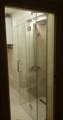 Sprchové kouty a vanové zástěny