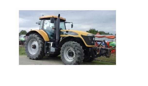 Traktor CHALLENGER 635 B Techstar Vario,215HP