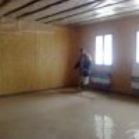 Cementová samonivelační podlaha