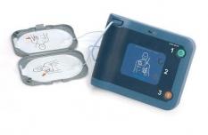 Automatický defibrilátor