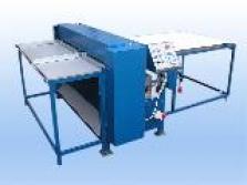 Kombinovaný stroj na výrobu klopových krabic