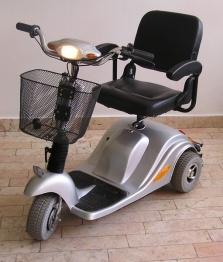 Elektrický vozík pro imobilní občany