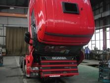 Servis a opravy nákladních vozů, návěsů