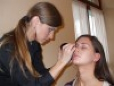 Make-up a hair-styling