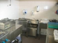 Nerezový kuchynský nábytok