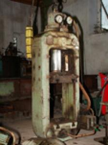 Generální opravy hydraulických lisů