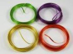 Lepidlo, dráty, pásky
