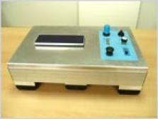 Pneumatický vibračný stolík