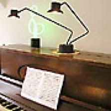 Svítidlo na klavír