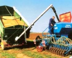 Závitovkové dopravníky osiva a hnojív