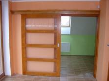 Výroba dveří a vnitřních dveří.