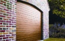 Brána izolovaná polyuretánom - Garážová brána Timber