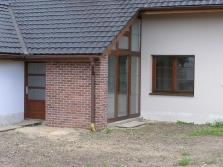 Dodávky a montáž plastových a dřevěných oken
