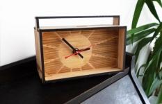 Reklamní hodiny - používané materiály