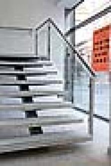 Nerezová zábradlí schodiště - výplň sklo