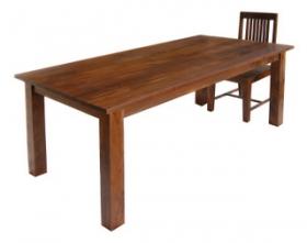 Dřevěný jídelní stůl Max