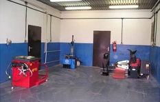 Predajňa náhradných dielov a pneumatík