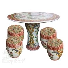Porcelánový stolek + 4 sedátka ve tvaru vajíčka
