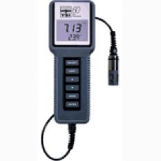 Terénní přístroj pro měření pH a teploty