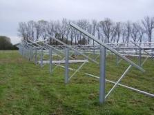instalace konstrukcí fotovoltaických elektráren a osazování panelů