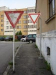 portály dopravního značení