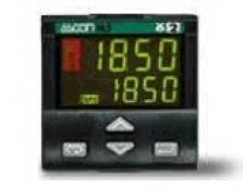 M4 – Regulátor teploty ohřev/chlazení s analogovým výstupem