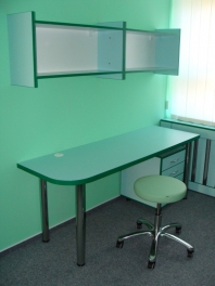 Kancelářský nábytek, stoly