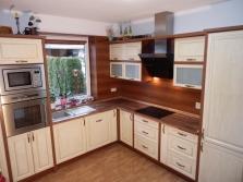 Zakázková výroba kuchyňských linek a vestavěných skříní
