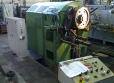 Stroje a zařízení pro kovárny