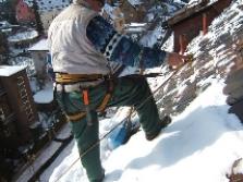 Odstranění sněhu a rampouchů ze střech