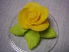 Velké růže na zdobení dortů