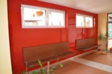 Obklady interiérů barevným sklem Lakobel