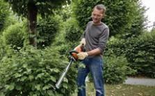 Akumulátorové zahradní nůžky
