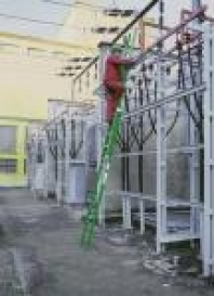 Dvojdielny výsuvný laminátový rebrík
